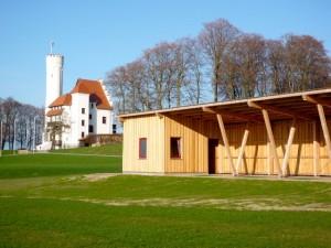 Hotel Schloss Ranzow - Abschlaghaus und Schloss