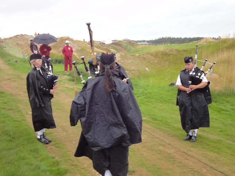 Dudelsackspieler zaubern schottisches Feeling